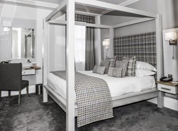White Hart Hotel & Apartments